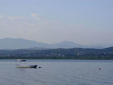 Modrac Lake httpsuploadwikimediaorgwikipediacommonsthu