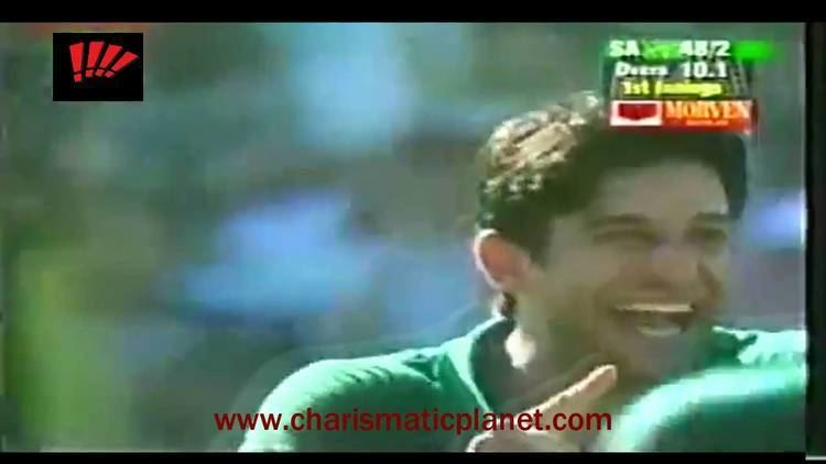 Muhammad Wasim Incredible Catch in Slip off Wasim Akram Bowling