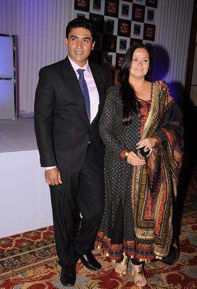 Mohnish Bahl Aarti Behl Mohnish Behls wife