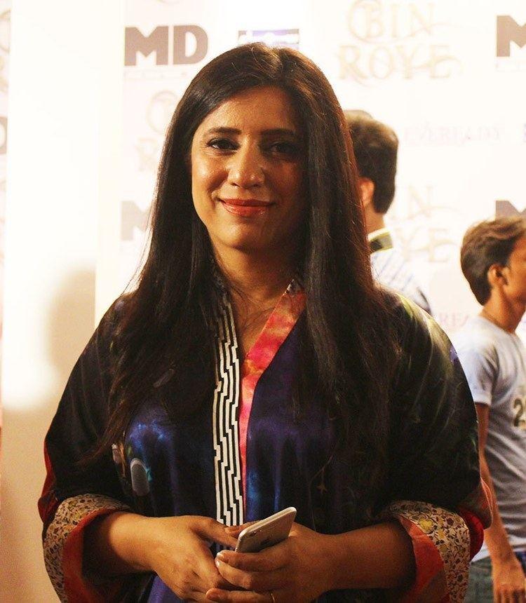 Momina Duraid Directorial woes didn39t deter Bin Roye says Mahira Khan