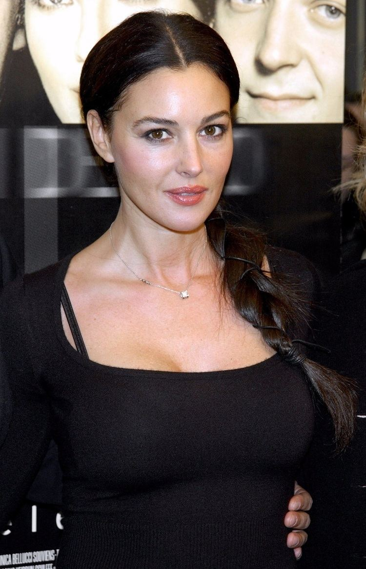 Monica Bellucci Monica Bellucci vs Caitlyn Jenner OffTopic Discussion