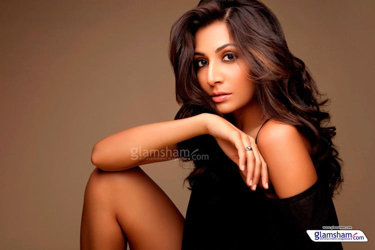 Monica Dogra Monica Dogra Filmography Wallpapers Pictures Photo