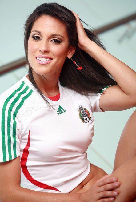 Monica Gonzalez Monica Gonzalez FOOTBALL FASHIONORG
