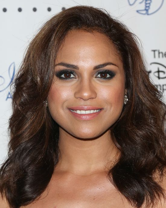 Monica Raymund Chicago Firequot star Monica Raymund comes out as bisexual on