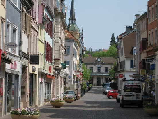 Montbéliard httpsmedia1britannicacomebmedia821413820