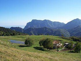 Monte Vesta httpsuploadwikimediaorgwikipediacommonsthu