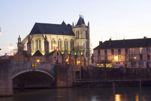 Montereau-Fault-Yonne mw2googlecommwpanoramiophotosmedium20554529jpg
