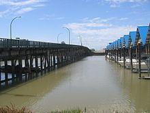 Moray Bridge httpsuploadwikimediaorgwikipediacommonsthu