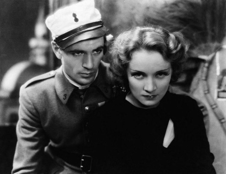 Morocco (film) Morocco 1930 Josef von Sternberg The Mind Reels