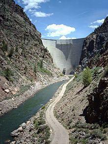 Morrow Point Dam httpsuploadwikimediaorgwikipediacommonsthu