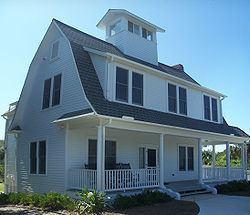 Moulton-Wells House httpsuploadwikimediaorgwikipediacommonsthu