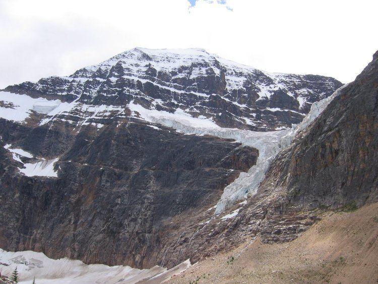 Mount Edith Cavell httpsuploadwikimediaorgwikipediaeneefAng
