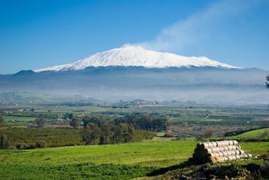 Mount Etna geologycomvolcanoesetnamountetnavolcanojpg
