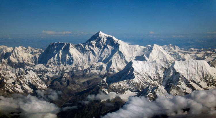 Mount Everest httpsuploadwikimediaorgwikipediacommonsdd