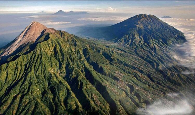 Mount Guntur wwwasiantrailstraveltravelnewswpcontentuploa