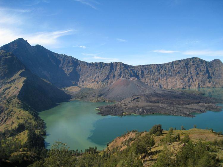 Mount Rinjani httpsuploadwikimediaorgwikipediacommons66