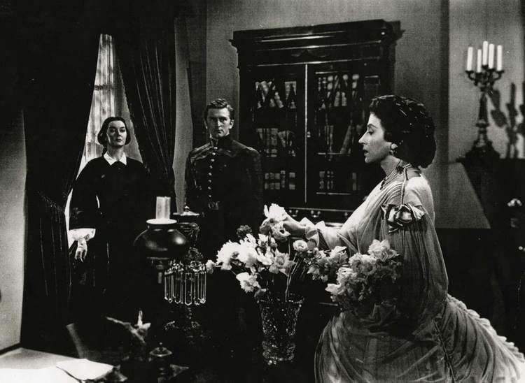 Mourning Becomes Electra (film) movie scenes It s also a film that is likely to be praised only by pretentious dilettantes who think that merely by forcing themselves to sit through something long and