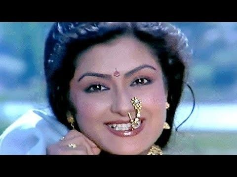 Moushumi Chatterjee Sapney Mein Moushumi Chatterjee Mahananda Song YouTube