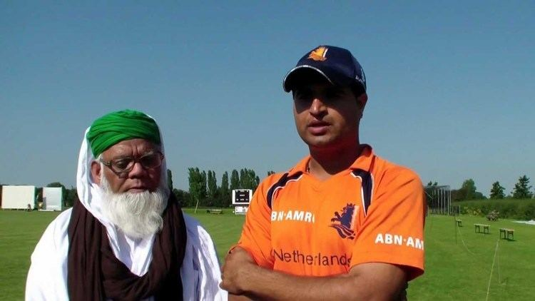 Dutch Cricketer Mudassar Bukhari giving his views about Madani
