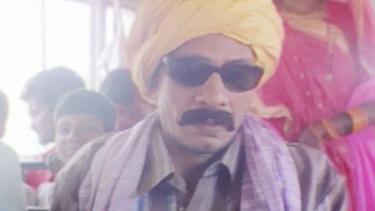 Mudda – The Issue movie scenes Vijay Raaz Rajat Kapoor Mudda The Issue Comedy Scene 2 22