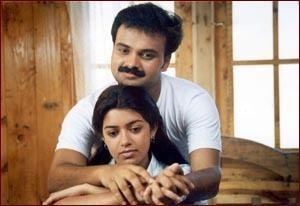 Mullavalliyum Thenmavum BizHatcom Mullavalliyum Thenmavum Review Kunchacko Boban Chaya