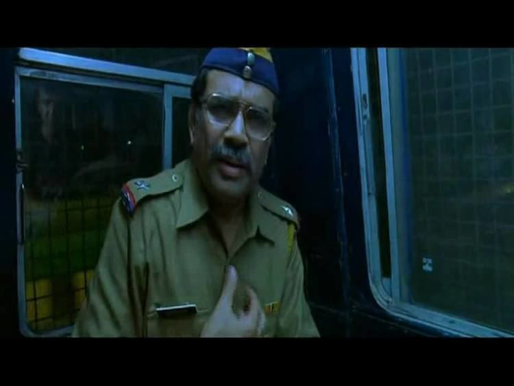 Mumbai Meri Jaan movie scenes It is a sign of the vitality and efficiency of the Hindi film industry that two films dealing with the bombings of Mumbai commuter trains in 2006 and their