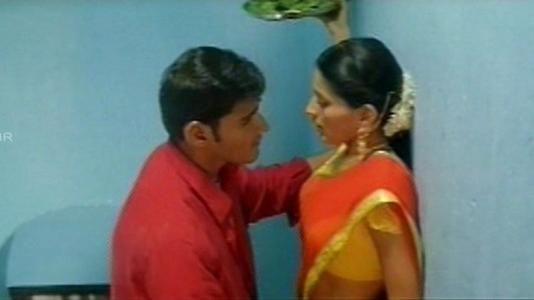 Murari (film) movie scenes Murari Mahesh Babu Sonali Bendre Cute Love Scene Mahesh Babu Sonali Bendre Shalimar Telugu Movies