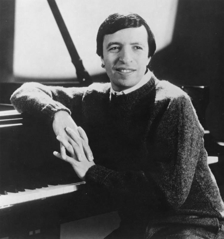 Murray Perahia Murray Perahia Piano Conductor Short Biography