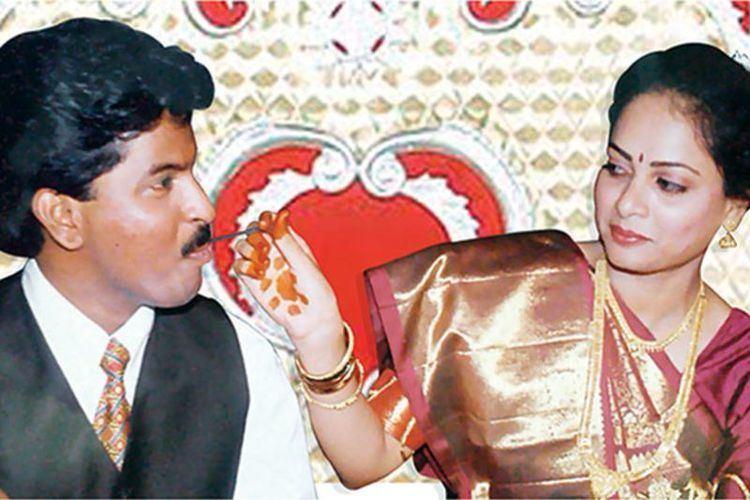 Murugavel Janakiraman On Matrimonycom Indias Arranged Marriages Hit the Web Bloomberg