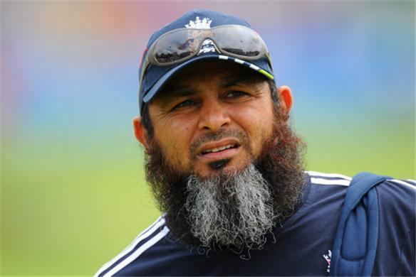 Mushtaq Ahmed (Cricketer) in the past