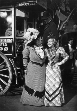 My Old Dutch (1934 film) Florrie Forde and Betty Balfour on the set of My Old Dutch 1934