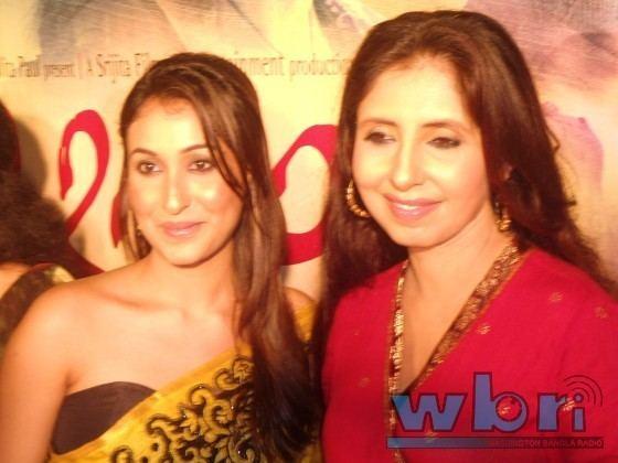 Na Hannyate movie scenes Indian Bengali Actresses Sayani Dutta left and Chaiti Ghosal at the music release of Na Hanyate