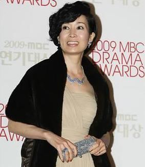 Na Young-hee Actress Na Younghee ends 14year marriage The Korea Times