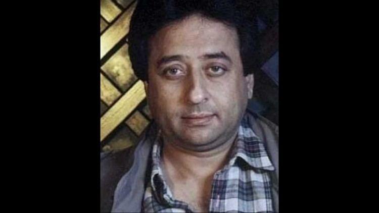 Nadeem Baig Anari 1969 Likhe Parhe Hote Agar To Tumko Khat Likhte