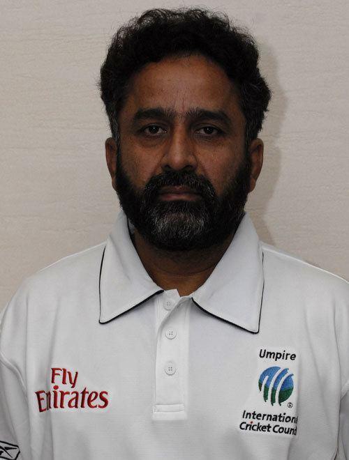 Nadeem Ghauri (Cricketer) playing cricket