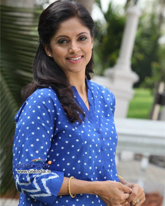 Nadhiya Nadhiya Photos Nadhiya Images Wallpapers Pictures