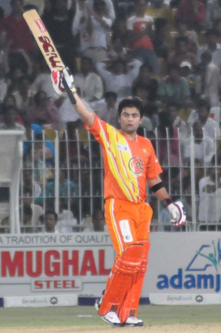 Naeem Ashraf (Cricketer) playing cricket