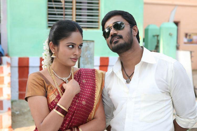 Nalanum Nandhiniyum Nalanum Nandhiniyum Movie Images iFlickz