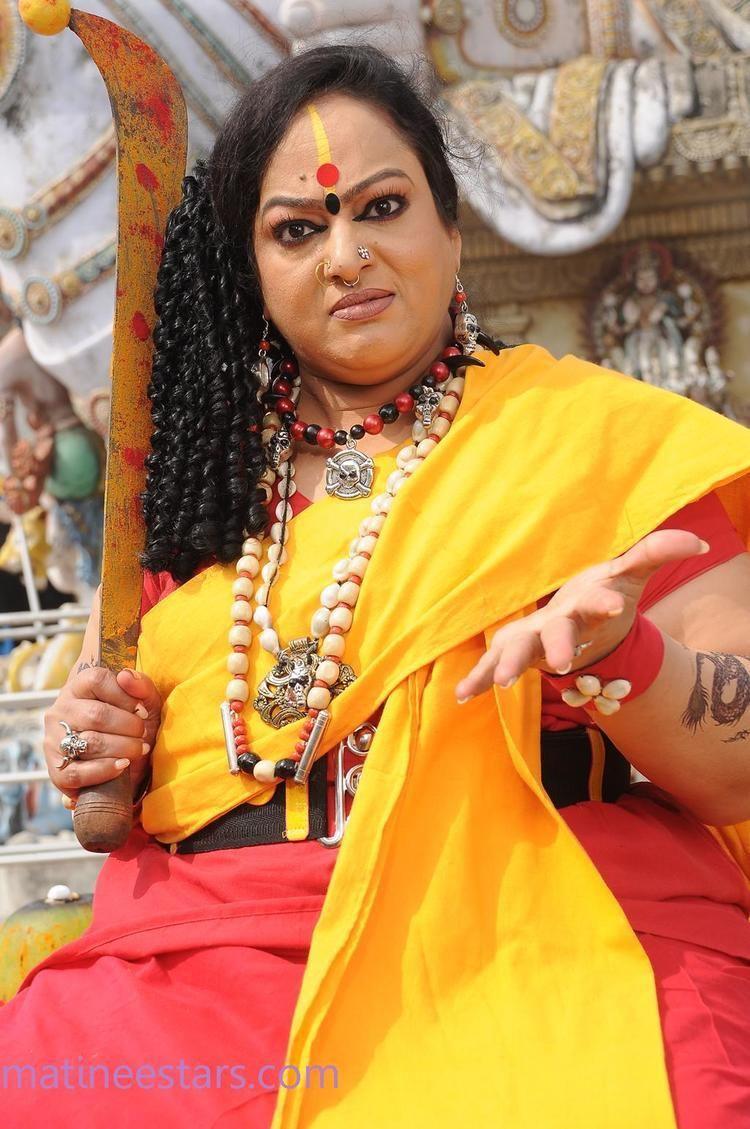 Nalini (actress) Nalini Stills In 13M Pakkam Parkka Actress Gallery