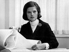 Nancy Dickerson httpsuploadwikimediaorgwikipediacommonsthu