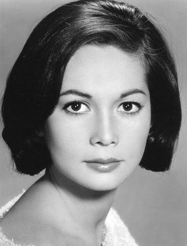 Nancy Kwan httpsuploadwikimediaorgwikipediacommons99