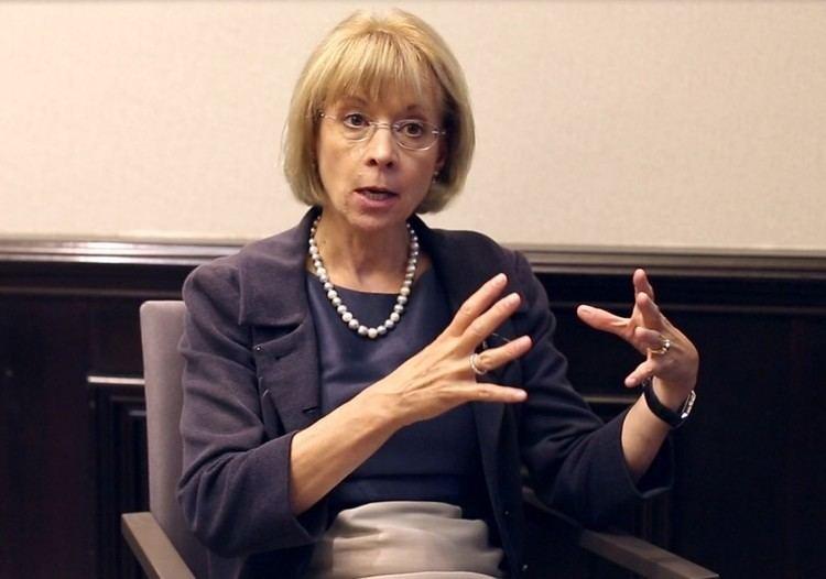 Nancy McKinstry Breaking the Glass Ceiling Wolters Kluwer CEO Nancy
