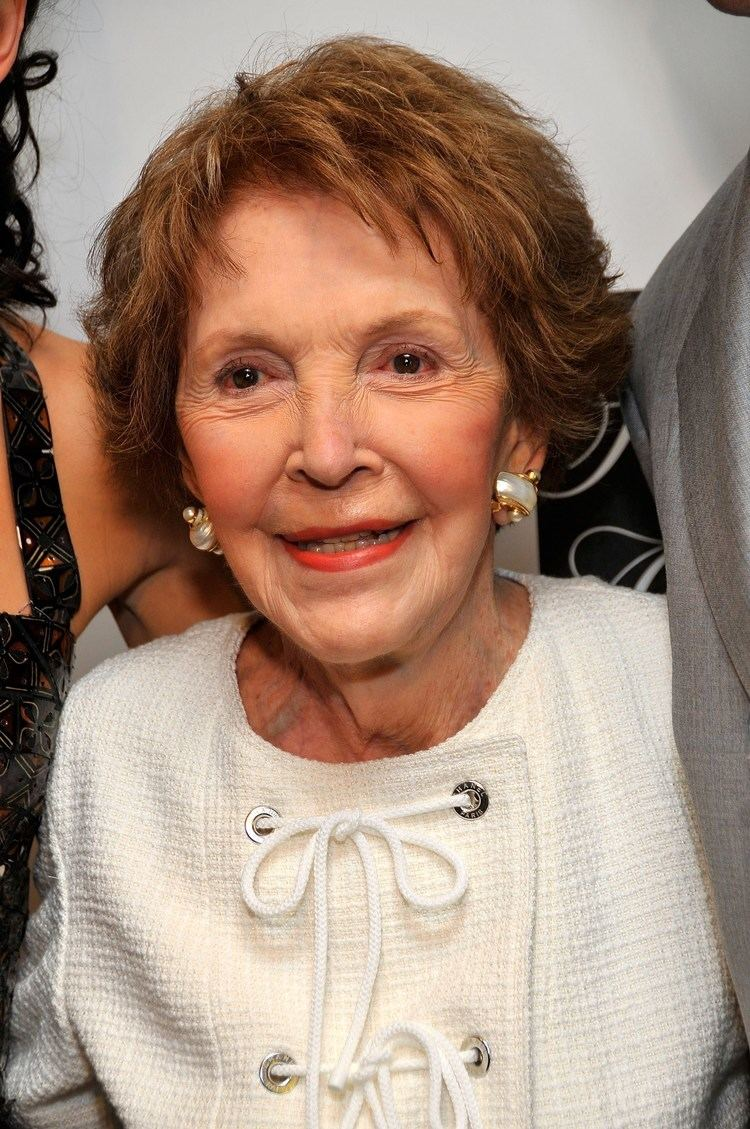 Nancy Reagan Nancy Reagan Known people famous people news and biographies