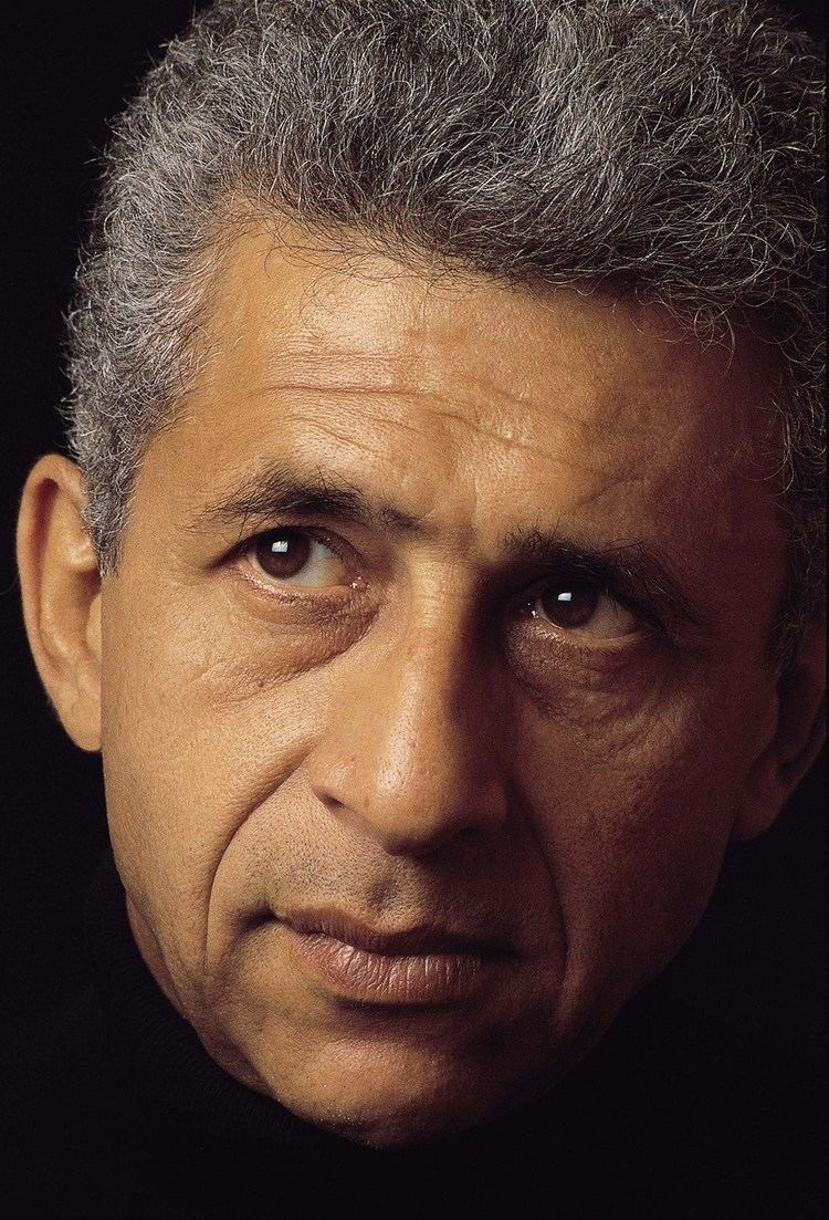 Naseeruddin Shah Naseeruddin Shah What on earth does the Oscar have for