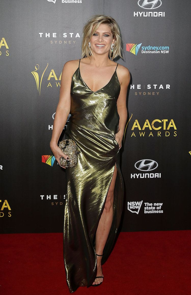 Natalie Bassingthwaighte Natalie Bassingthwaighte The AACTA Awards Red Carpet Was