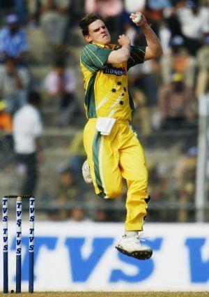 Former fast bowler Nathan Bracken settles case against Cricket Australia