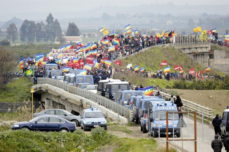 Naval Air Station Sigonella FileUS Navy 030323N9693M006 Antiwar activists gather outside