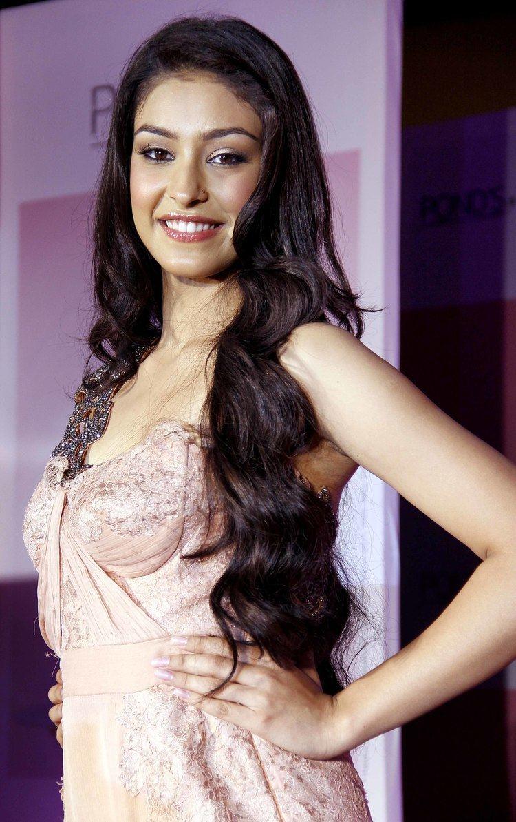 Navneet Kaur Dhillon Ponds Femina Miss India 2013 Navneet Kaur Dhillon