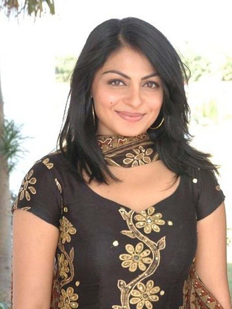 Neeru Bajwa Neeru Bajwa Pictures and Images