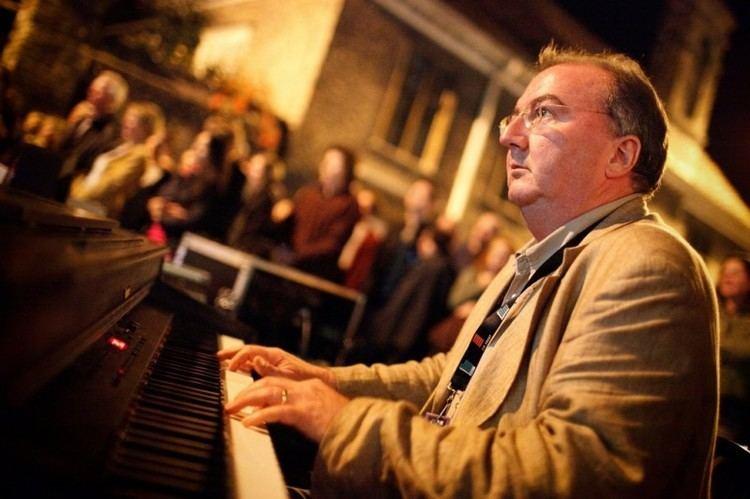 Neil Brand Neil Brand The Silent Pianist Speaks The Cinema Museum